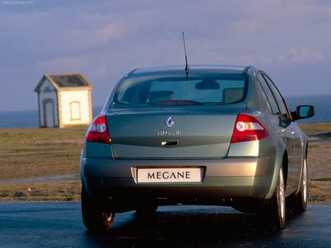 Renault Megane 2 Saloon photo - фото Рено Меган 2 седан 2003 модельного года